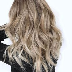 Nude Blonde. Color by @amberjoyandco #hair #hairenvy #hairstyles #haircolor #blonde #balayage #highlights #newandnow #inspiration #maneinterest