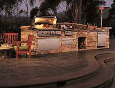 Outdoor Küche mit Grill stein konstruktion holz