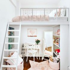Need big kid inspo ❤️? Follow usover @projectjunior! Tons of fab #bigkid rooms like this perfect lofted girls space by @shanadeenurserydecor #cityliving #loftbed #girlsroom #interiordesign #childrensspaces #projectjunior