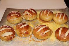 Like Mother's, Like Daughter's Kitchen: Pretzel Bread