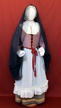 Puglia Riproduzione costume popolare Bari   #TuscanyAgriturismoGiratola