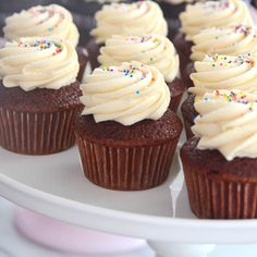 How to Make Red Velvet Cupcakes with Whipped Cream Cheese Frosting – Sweet Bake Shop