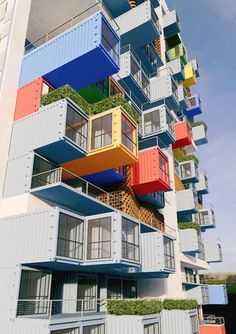 The international firm Ganti and Associates Design has proposed a skyscraper to be built out of repurposed shipping containers. This skyscraper would be erected in the Dharavi slum in Mumbai, India. While building large structure such as this out of used shipping containers is certainly very sustainable,