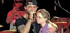 singer songwriter jay allen holds on to his mom Video Sh, Country Music Artists, Singers, Jay, Bands, Life, Inspiration, Biblical Inspiration, Singer
