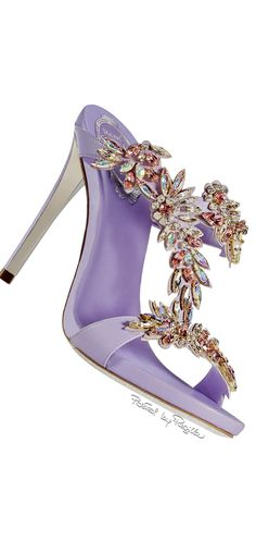 Rene Caovilla ~ Summer Lavender Satin Sandal w Crystal Embellishments 2015 Rene Caovilla, Pretty Shoes, Beautiful Shoes, Zapatos Shoes, Louboutin, Purple Shoes, All About Shoes, Dream Shoes, Hot Shoes