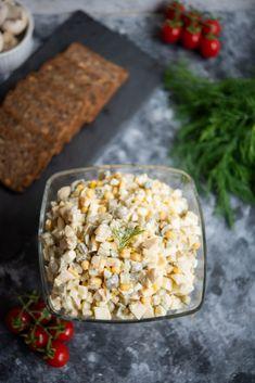 Przepis nasałatkę zpieczarkami Snack Recipes, Snacks, Fried Rice, Fries, Ethnic Recipes, Food, Snack Mix Recipes, Appetizer Recipes, Appetizers