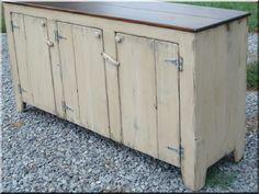 Shabby chic bútor, felújított hűtőszekrény Rustic Furniture, Outdoor Furniture, Outdoor Decor, Loft Design, Shabby Chic, Country Chic, Wabi Sabi, Vintage Designs, Entertaining