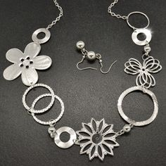 Be one of the first to introduce Paparazzi to your area! Paparazzi is a brand new FABULOUS jewelry and hair accessory company that is affordable to EVERYONE, with nothing costing more than $5.50 and is nickel free!!  Paparazzi just turned ONE in December 2011!! The opportunity to join a ground floor company with less than 6000 consultants in the entire US at this level doesn't come around very often!! Contact me directly at erin.wagoner17@yahoo.com to join my team!