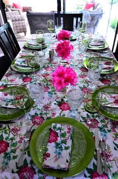 Rhododendron Tabletop #summer #entertaining #garden #girlfriends | Reluctant Entertainer