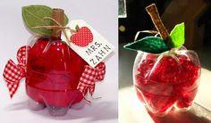 Manzanas hechas de botellas de plástico