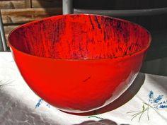 """Schale """"Rot-schwarz"""", Kupfer gedrückt, Email = Streutechnik, ca 18 x 18 cm"""
