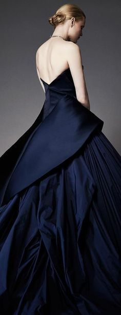 Get inspired and discover Zac Posen trunkshow! Shop the latest Zac Posen collection at Moda Operandi. Style Couture, Couture Fashion, Fashion Show, Runway Fashion, Fashion Women, Couture 2015, Evening Dresses, Prom Dresses, Wedding Dresses