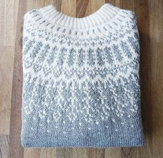 love colors, pattern's not in english though! Nordic Pullover, Nordic Sweater, Fair Isle Knitting Patterns, Knit Patterns, Knit Stranded, Icelandic Sweaters, Fair Isles, How To Purl Knit, Drops Design