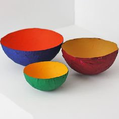 It's almost time for the big game, so why not make some fun paper mache bowls in your favorite team's colors!