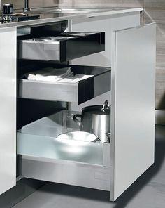 Cajones con accesorios en vidrio Herrajes de cierre lento Doble cajón interior Kitchen Furniture, Drawers, Glass, Interiors, Accessories