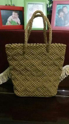 Tas macrame Macrame Purse, Turban Style, Macrame Patterns, Crochet Accessories, Handmade Bags, Straw Bag, Jewelry Making, Handbags, Embroidery