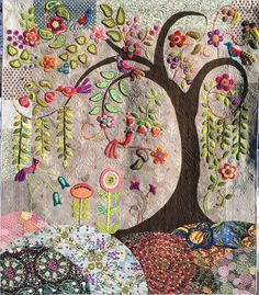 How fab is this? Kerry Stitch Designs: My Journey To Enchantment Motifs Applique Laine, Wool Applique Quilts, Wool Applique Patterns, Wool Quilts, Wool Embroidery, Felt Applique, Embroidery Stitches, Embroidery Patterns, Motifs D'appliques