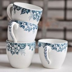 Do small things with great love / blue / tea cups