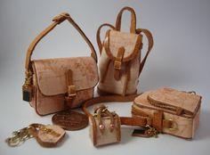 ••  Miniaturas bolsos: Bolsos con estampado de mapas
