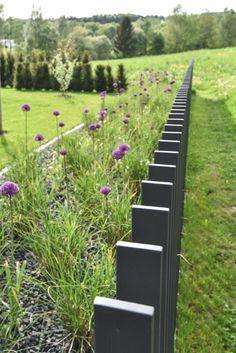 design@garten Backyard Fences, Garden Fencing, Garden Landscaping, Landscape Walls, Landscape Architecture, Landscape Design, Home Door Design, Gate Design, Privacy Fence Designs