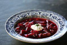 Borscht ~ Delicious borscht soup made with fresh red beets, beef shank, onions… Borscht Soup, Beet Borscht, Beet Recipes, Soup Recipes, Cooking Recipes, Veggie Recipes, Vegetarian Recipes, Recipies, Russia