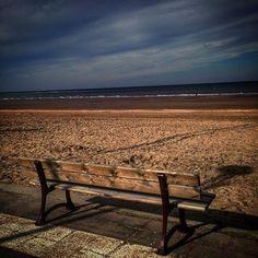 #houlgate #plage #beach #onthebeach #sable #sand #banc #ciel #nuages #sky #clouds #instabeach #horizon #mer #see #sea #mareebasse #normandietourisme #normandy #normandie #calvados #cotefleurie