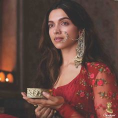 Bollywood is going gaga over Bajirao Mastani, and nobody can deny the charm and spell that Mastani has cast over everyone. Here, we are going to discuss Indian Celebrities, Bollywood Celebrities, Bollywood Actress, Movies Bollywood, Bollywood Stars, Bollywood Fashion, Indian Dresses, Indian Outfits, Indian Attire