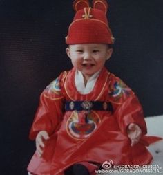 """little G-DRAGON、誕生日を迎え幼い頃の写真を公開""""こんなにキュートなんて"""" - ENTERTAINMENT - 韓流・韓国芸能ニュースはKstyle"""