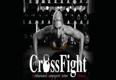 CrossFight Fitness er IKKE kampsporttrening, men en treningsform for alle, uansett hvor god eller dårlig ditt utgangspunkt er. Dette er en fin måte å enten komme i form på, eller forbedre den formen du allerede har.  På kun 30 minutter kan du gjøre unna treningen i et trygt og motiverende miljø, sammen med en god miks av forskjellige typer voksne mennesker av begge kjønn i varierende form, sammen med en kunnskapsrik, engasjert, motiverende instruktør.