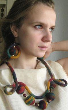Gallery.ru / Фото #65 - Войлочные украшения - miralacerta