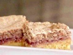 Singing With Birds: Maple Texas Sheet Cake Yummy Treats, Sweet Treats, Yummy Food, Yummy Yummy, Tasty, Just Desserts, Dessert Recipes, Bar Recipes, Toffee Bars