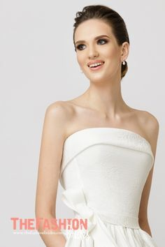 A strapless neckline, with no straps or sleeves, is a favourite among brides all over the world, who believe that this style is flattering to all types of bride. It is also versatile when it comes …