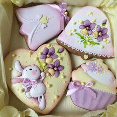 Amazing for Easter cookies Fancy Cookies, Cute Cookies, Iced Cookies, Easter Cookies, Easter Treats, Cupcake Cookies, Sugar Cookies, Cookie Frosting, Royal Icing Cookies