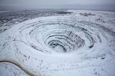 Antiga mina de diamantes a céu aberto, Sibéria Rússia