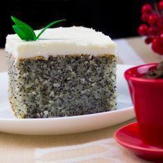 Vă prezentăm o rețetă de prăjitură cu mac minunată, pufoasă, fină și foarte delicioasă, care o să vă lase gura apă. Este o adevărată operă culinară, cu un aspect unic, un gust fabulos, care o Romanian Desserts, Sweet Treats, Pudding, Unic, Sweets, Sugar, Recipes, Food, Cakes