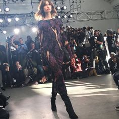 Sequinning @pamellaroland #nyfw #frontrow  via MODERN LUXURY MAGAZINE OFFICIAL INSTAGRAM - Luxury  Lifestyle  Culture  Travel  Tech  Gadgets  Jewelry  Cars  Gaming  Entertainment  Fitness