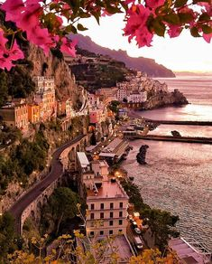Italia - the actual identify on its own spells romance. To Infinity And Beyond, Beautiful Places To Travel, Travel Aesthetic, Aesthetic Outfit, Aesthetic Girl, Dream Vacations, Vacation Places, Italy Vacation, Places Around The World