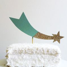 shooting star painted + glittered cake topper