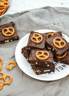Brownies, Muffin, Breakfast, Food, Milky Bar Chocolate, Caramel, Brown Sugar, Bakeware, Bakken