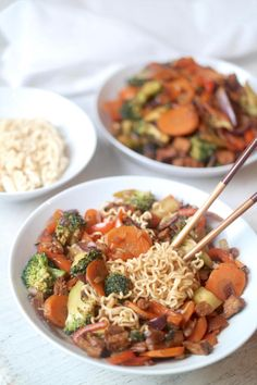 SPICY GARLIC WOK NOODLES WITH STIR-FRIED VEG & TOFU » quick & easy