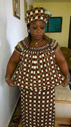 Rare mix and match garment worn by this lovely bird.and check how she tops this off with an appropriate head dress. Ghana Fashion, African Fashion Ankara, Latest African Fashion Dresses, African Print Fashion, Africa Fashion, African Blouses, African Lace Dresses, African Attire, African Wear