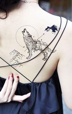 Geometric Howling Wolf Mountain Back Tattoo Ideas for Women - Black and White Popular Trending 2018 Shoulder Nature Animal Tat - Geométrico aullido lobo espalda tatuaje Ideas para mujeres - www.MyBodiArt.com
