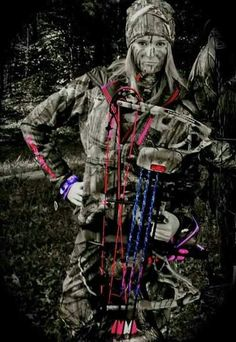 Women Bow Hunters!! This is an awesome pic...I can totally see Sarah doing this amazingly, but not wild about it for senior pic