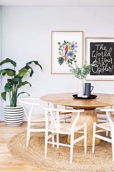 インテリアの季節到来!今年はどんな風にアレンジしてみようか?たった一枚であなたのお部屋がワンランクアップ。センスの良いポスターを集めてみました。