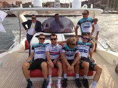 Mark Cavendish @MarkCavendish 27. jun Relaxing sail to the start of the Tour de France Team Presentation with @opqscyclingteam.