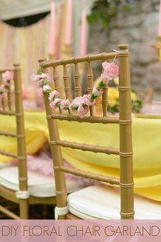 Guirnaldas de flores para sillas                              …