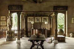 Living room in Badia in Pozzillo, Sicily | Photography: Chiara Cochi