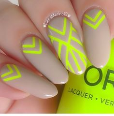 Nailart nude & fluo yellow nails almond