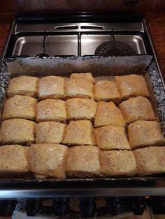 Baconös sajtos vajdasági sós, ez finomabb bármely pogácsánál! - Ketkes.com Banana Bread, French Toast, Bacon, Breakfast, Desserts, Food, Morning Coffee, Tailgate Desserts, Deserts