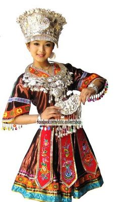 371aec418 Hmong clothes Traditional Fashion, Traditional Outfits, Hmong Wedding,  Costumes Around The World,